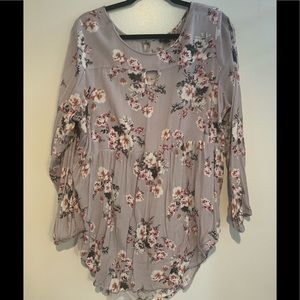 Gray long sleeve floral blouse